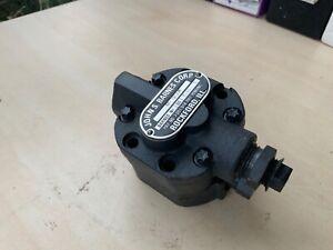 Anillo de retención * Massey Ferguson Tractor 135,35,148,240,250,254 Bomba De Aceite Idler Gear