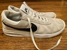 Nike SB Air Max Bruin Men's US 11 White Black Leather Suede Great Condition