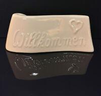 9924046 Porzellan Figur Tischaufsteller weiß Willkommen Wagner&Apel H3cm