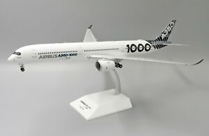JC Wings 1:200 Airbus Industries A350-1000 XWB 'Carbon Fibre - Flaps Up' F-WLXV