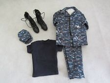 1/6 SCALE SET OF US NAVY UNIFORM, BOOTS, T-SHIRT & SOFT CAP (USED)