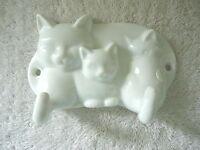 Vintage Avon Ceramic Cat / Kittens Themed Wall Mount 2 Hook Clothing Holder