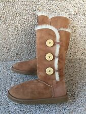 Ugg Women's Bailey Button Triplet Size 6 Chestnut Sheepskin Suede Boots