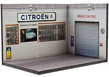 Diorama présentoir Atelier Citroën ancien (3 faces) - 1/43ème - #43-3-A-Y-AE-006