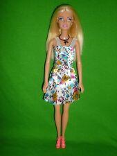 Coupe droite blonde poupée barbie ~ avec queue de cheval collier et jolie Clone Outfit