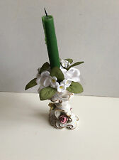 ARTIFICIAL WHITE FLOWERS WITH GREEN LEAVES DECORATED CANDLE RING 13.5 CM