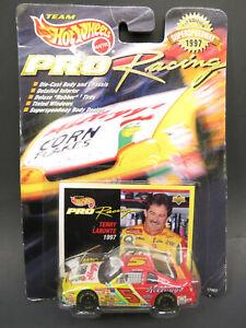 1997 1st Edition Hot Wheels Pro Racing Terry Labonte #5 Kellogg's