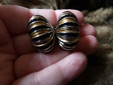 VINTAGE LARGE BLACK & GOLD ENAMEL HALF HOOP STYLE  CLIP ON EARRINGS MA22