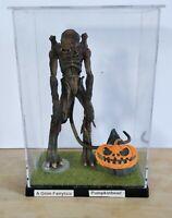 Macfarlane Movie Maniac series 1 pumpkinhead horror figure in display case