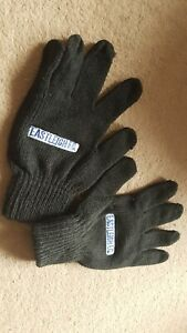 EASTLEIGH FOOTBALL CLUB E.F.C BLACK GLOVES FOR YOUNG ADULTS TEENAGERS AGE 13-17.