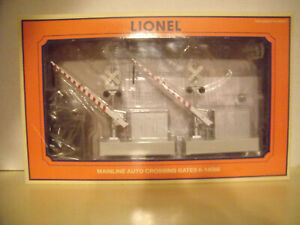 NEW IN BOX LIONEL MAINLINE AUTO CROSSING GATES, O SCALE, 2PACK, MIB, 14098