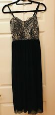 Dress black long with lace top, regulated strips. Size L