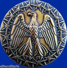 GENUINE WW1 WW2 VIETNAM IRAQ UNITED SATES PRISONER OF WAR MEDAL           -01