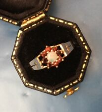 Women's 9ct Gold Garnet & Opal Stone Ring Weight 1.6g Size M Stamped