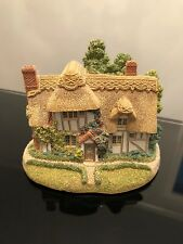 "Lilliput Lane ""Camomile Lawn"" #668 Retired and Rare"
