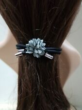 ELASTIC PONYTAIL HOLDER WITH LEATHER FLOWER CHARM HAIR ACCESSORY GRAY