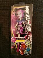 Mattel Monster High DPL86 - Todschicke Monsterschülerin Ari Hauntington NEU/OVP.