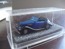 COOL Small Revell Praline BMW 327 Cabr Geschl Car in Box