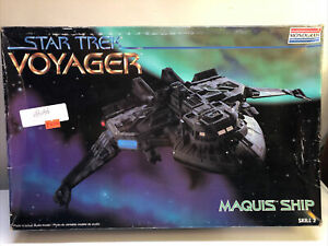 Monogram Star Trek Voyager Maquis Ship - Slightly Started