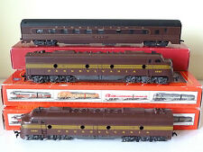 HO scale IHC: EMD E-8, A+A set Pennsylvania + matching Rivarossi grill car, EXC+