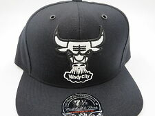 Chicago Bulls Black Throwback NBA Mitchell & Ness Hi Crown Fitted Hat Cap 7-1/4