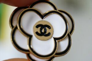 One Stamped  Chanel button 1 pieces   metal cc logo  32 mm  💔 XXLarge