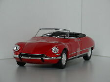 Citroen DS 19 cabriolet rojo 1:24 Welly
