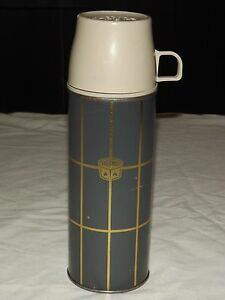 """VINTAGE LUNCH PICNIC 9 3/4"""" HIGH  METAL & PLASTIC THERMOS #2234 H"""