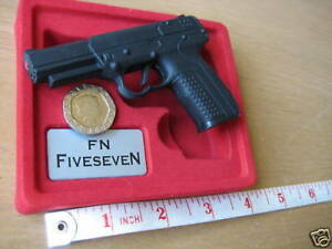 Model Replica Mini Toy FN FIVESEN GUN Scale 1:2,5 Diecast Exclusiv COLLECTION