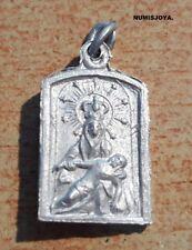 Año 1940/50. La Dolorosa Aluminio. La Virgen con Jesús en brazos. Peso 0,65 gr.