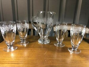 Vintage Drinks Jug and 4 x Glasses ideal for Garden or Dinner Parties