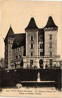 CPA PAU Le Chateau d'Henri IV-Statue de Gaston Phoebus (412579)