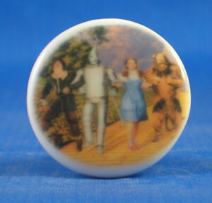 Birchcroft  Button - Wizard of Oz Yellow Brick Road - One Inch Size ( 25 mm )