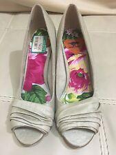 Rocket Dog Shoes Size 8.5