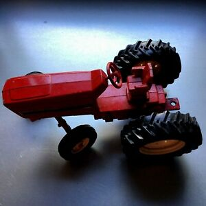 """Red ERTL 14L16A International Harvester 7"""" long Toy Tractor"""