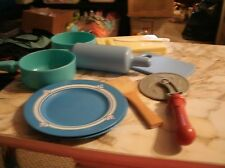 10 pieced play kitchen lot of plastic pans and cooking tools