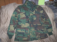 """Vintage Woodland Camo Jacket Large Insulated Hunting Coat + 54"""" cut to fit Belt"""
