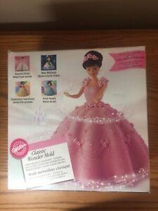 2001 Wilton Doll Classic Wonder Mold Cake Pan Doll Barbie Princess Bride Dress