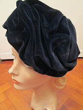 WONDERFUL 1950s FRENCH VELVET HAT