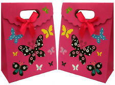 Lot de 2 pochettes cadeaux en carton à fermeture scratch rose avec des papillons