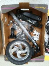 A018-526: Konvolut Fahrrad Teile Kurbelarme / Steckachsen etc.