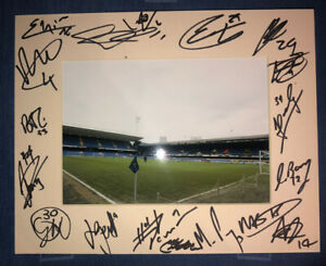 Ipswich Town 21/22 HAND SIGNED 10x8 MOUNT DISPLAY Signed By 18 Players A