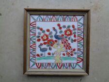 Alte gerahmte Fliese-Kachel-Handbemalung-Paradiesvögel-Pfau-Keramik-Wandfliese