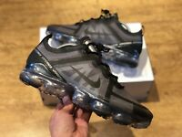 NIKE AIR VAPORMAX 2019 MENS TRAINERS BLACK GREY SIZE UK9.5 EUR44.5 US10.5
