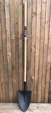 "Spear & Jackson Neverbend Irish Shovel - 54"" Handle - Round Mouth Digging Spade"