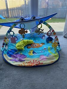 Disney Finding Nemo Me Ray Ocean Lights Activity Gym / Play Mat