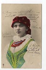 RUSSIE Russia Théme Types russes costumes personnages femme carte gauffrée