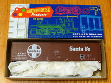Roundhouse Ho #1273 (Rd #525235) Santa Fe (50' Plug Door Box Car Kit