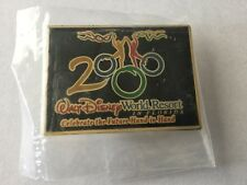 Disney Walt Disney World Promotional Pin Celebrate the World Hand in Hand - 2000