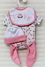 """Madame Alexander """"Wee Wonder Layette """" Outfit only - Fits 20"""" Baby Doll - 02270"""
